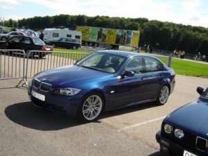 59-bmw-330d-photos