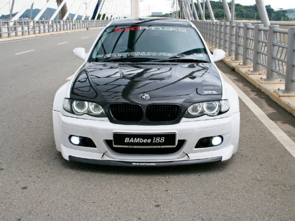BMW 320 Pictures