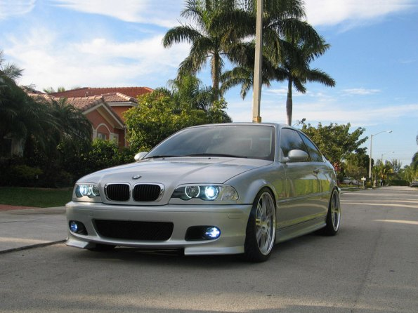 BMW 325 Pictures