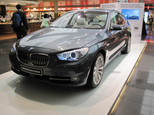 BMW 530 Pictures