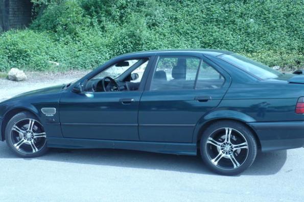 Photo of BMW 325 Tds