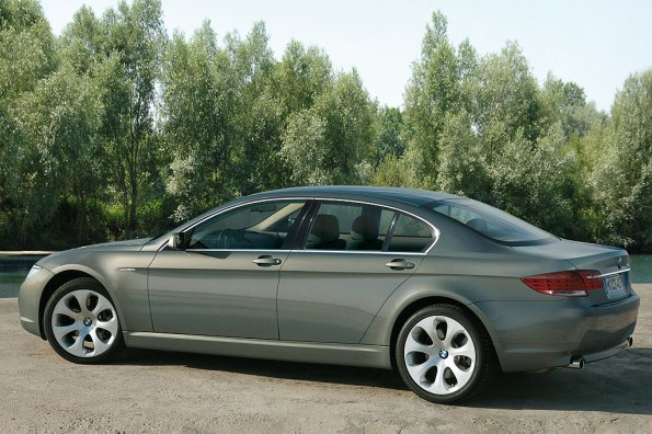 2009 BMW 7 Series Pictures