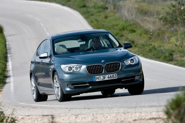 2010 BMW 5 Series Photos