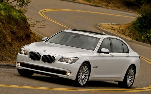 2011 BMW 7 Series Images