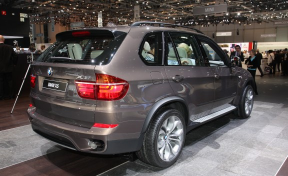 2011 BMW X5 - Official Photos and Info