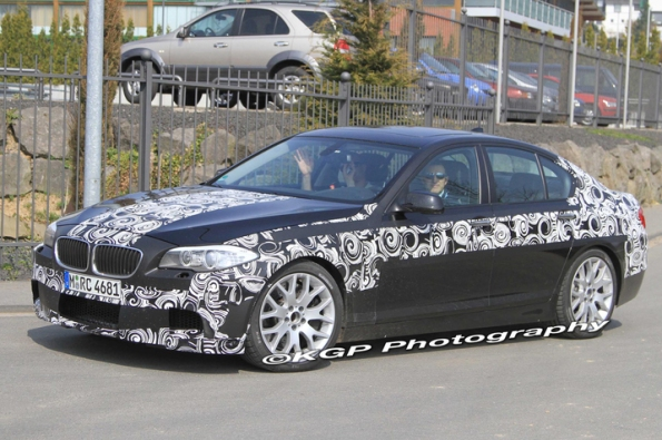 2012 BMW M5 Sheds Most of Its Camo