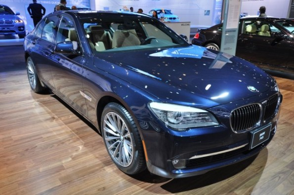 NAIAS 2010 2011 BMW 740i debuts in the US