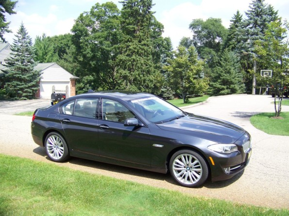 Review: 2011 BMW 5 Series (535i and 550i)