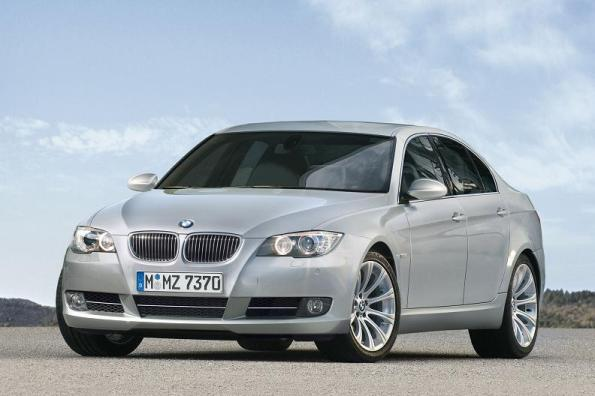 The New Long-Wheelbase 2011 BMW 5 Series Sedan.